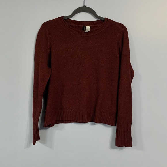 H&M Divided Burgundy Knit Sweater